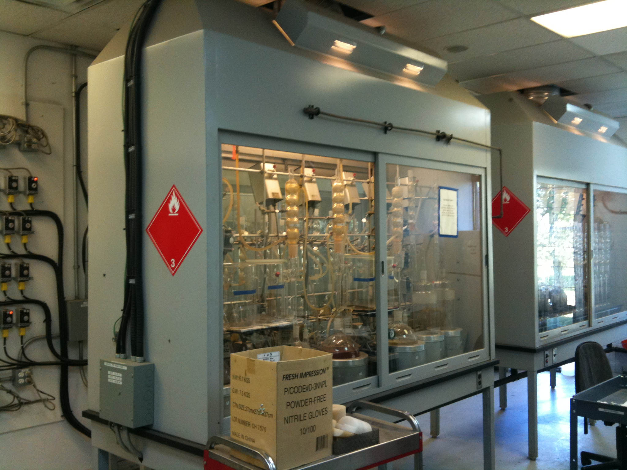 Image showing equipment for the testing and analysis of oil and gas industry core samples.